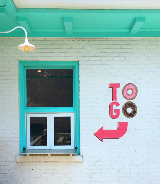 Where to go in Nashville, Tennessee | Five Daughter's Bakery | www.jacolynmurphy.com