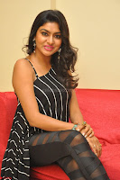 Akshida in Black Tank Top at Kalamandir Foundation 7th anniversary Celebrations ~  Actress Galleries 098.JPG