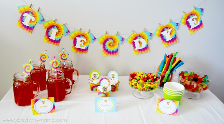 Dolly & Me Tie-Dye Party at artsyfartsymama.com #TieDyeYourSummer