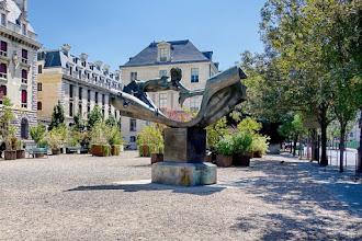Paris : L'homme aux semelles devant, hommage à Arthur Rimbaud de Jean-Robert Ipoustéguy [Edit 2019 : Oeuvre à découvrir port Saint Bernard, jardin Tino Rossi]