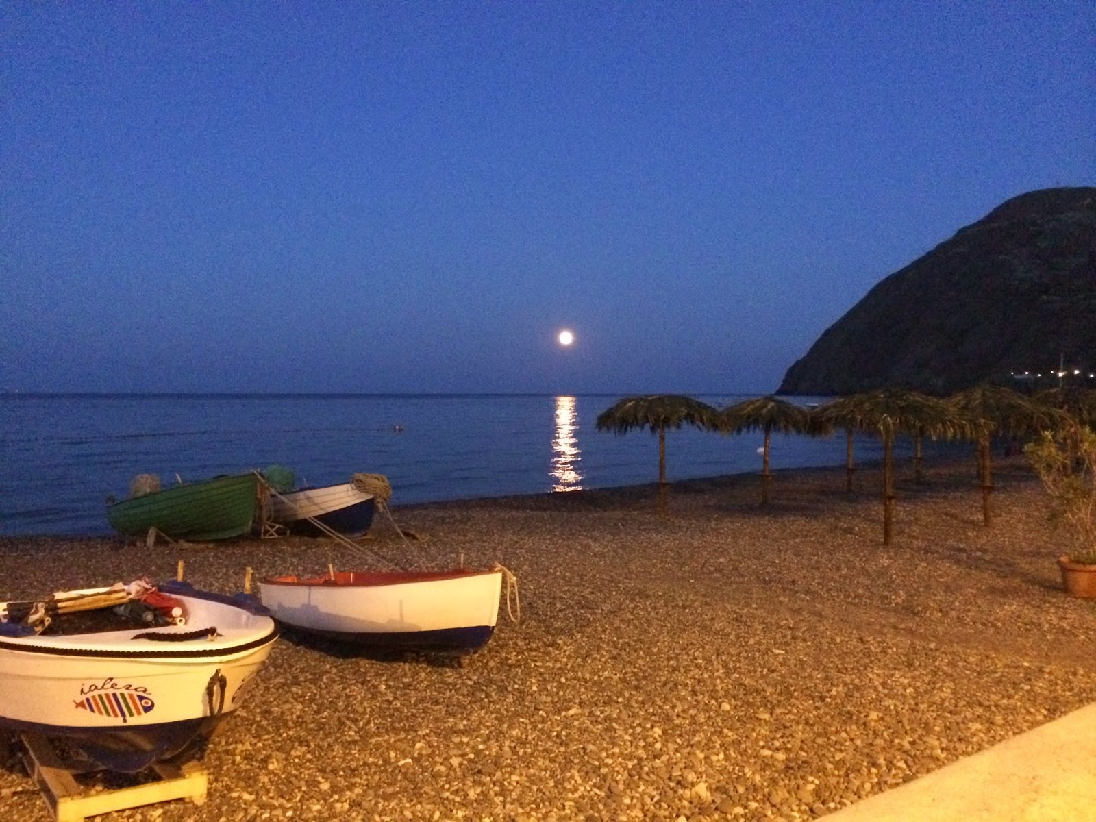 Mezzanotte-In-Sicilia-Lipari