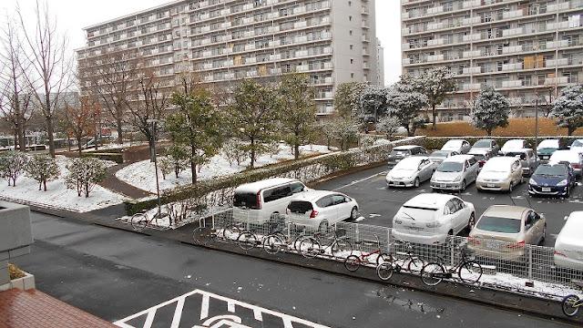 団地の雪景色