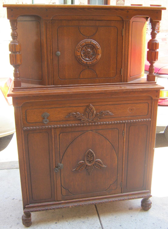 Uhuru Furniture Amp Collectibles Oak Buffet Amp China Cabinet