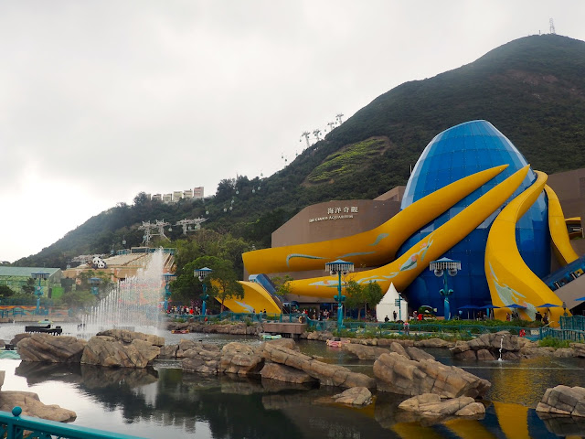 Grand Aquarium & Aqua City lagoon - Ocean Park, Hong Kong