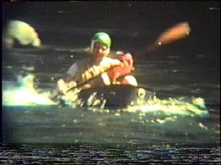 Kayak Clawfoot Tub