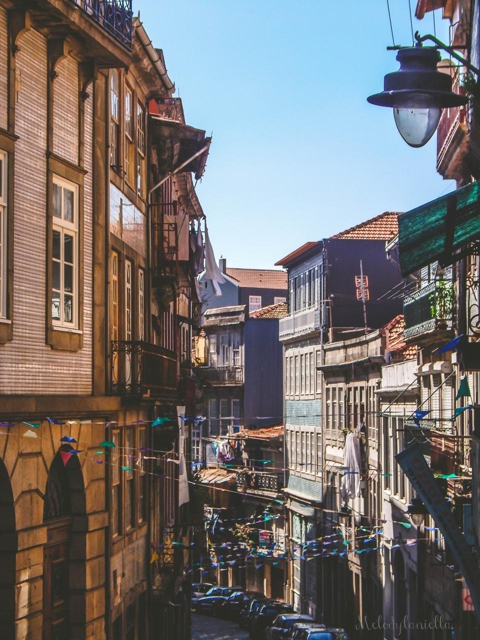 15 uliczki2-2  co zobaczyć w Porto w portugalii ciekawe miejsca musisz zobaczyć top miejsc w porto zabytki piękne uliczki miejsca godne zobaczenia blog podróżniczy portugalia melodylaniella