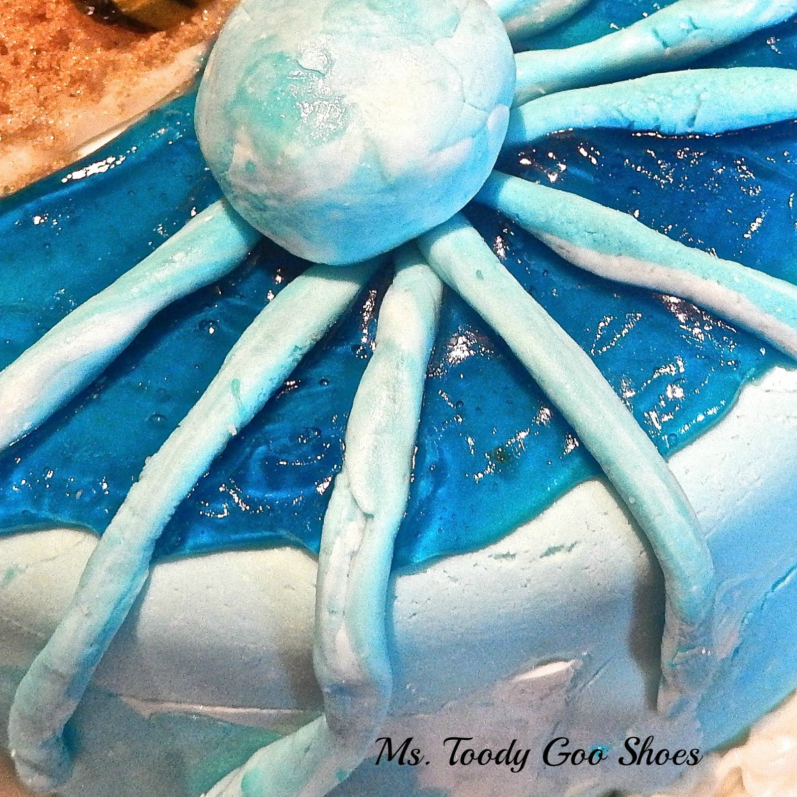 "An easy-to-make fondant ""Beach""  cake  --- Ms. Toody Goo Shoes"