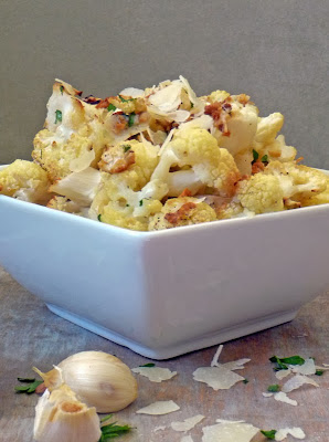 Roasted Parmesan Garlic Cauliflower | by Life Tastes Good are tasty little bites chock full of good-for-you-stuff!