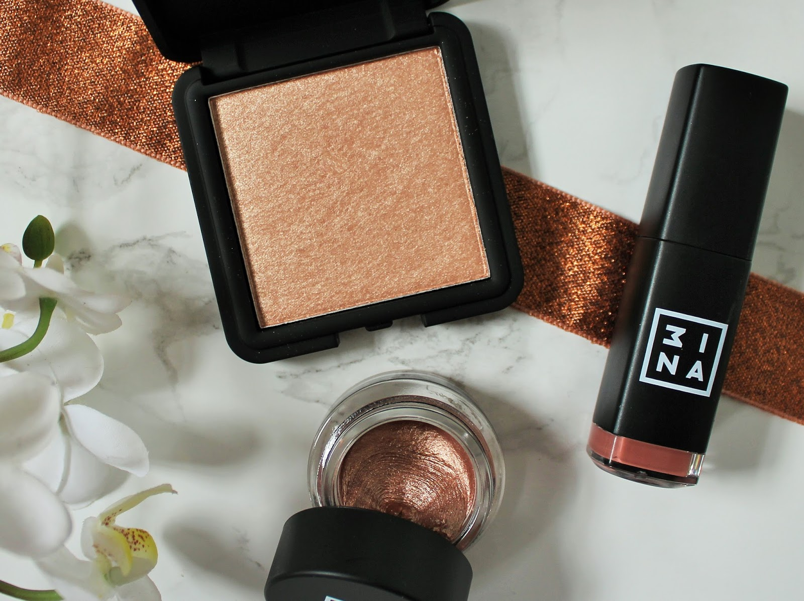3ina bestselling makeup products - The highlighter 201