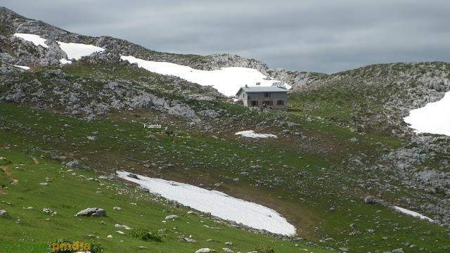 Ruta al Jultayo y Cuivicente desde el Lago Ercina pasando por el Refugio de Vega de Ario, en Picos de Europa.