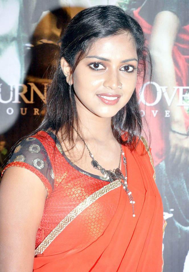 Tamil Devi Tamil Actress Amala Paul Photos