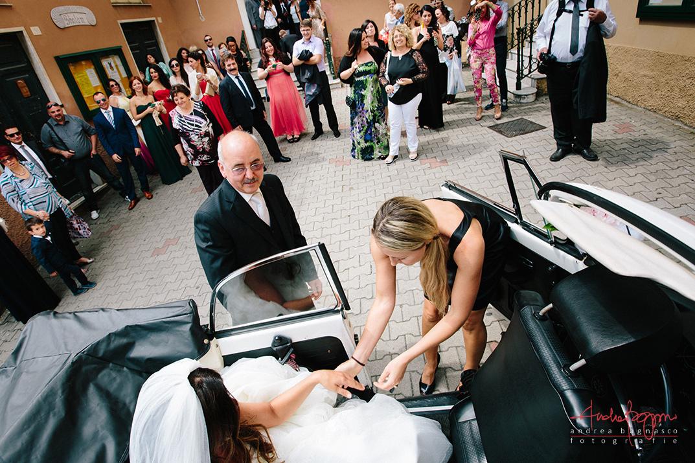 arrivo sposa chiesa Certosa Genova fotografo matrimonio