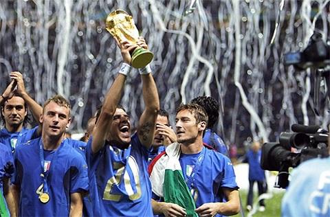 Chân sút vẫn bị lu mờ khi Italy giành được chức vô địch.