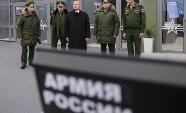 Ο Πούτιν ανατρέπει την ισορροπία δυνάμεων με νέους υπερηχητικούς πυραύλους και... S-500
