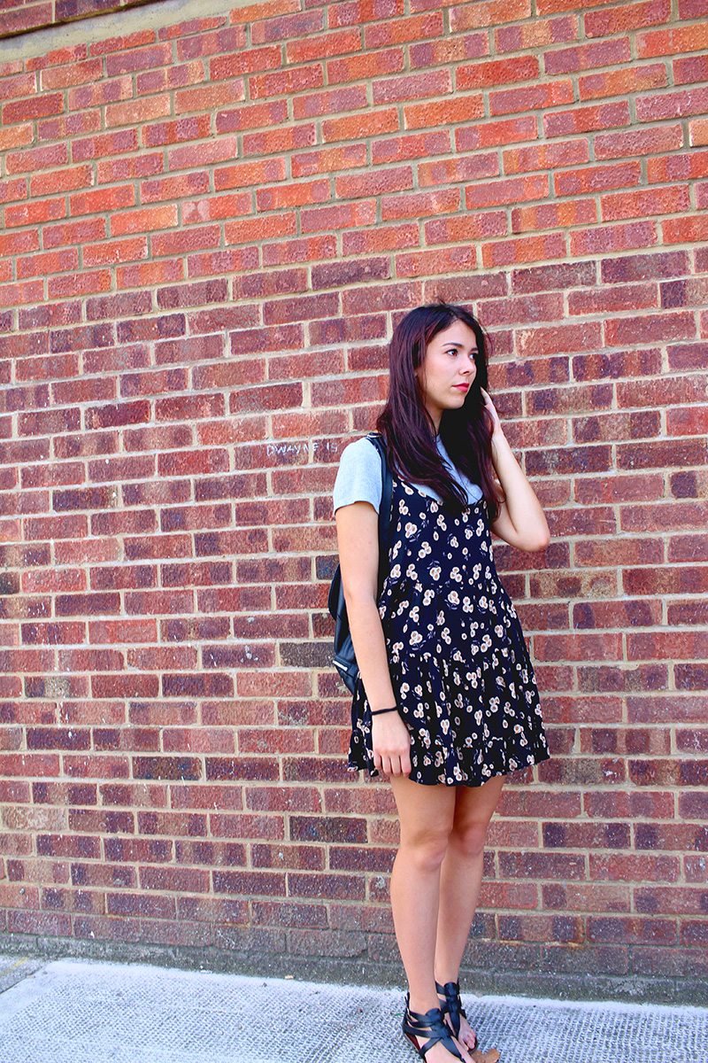 Save the friday, ootd, back to school, brandy melville, hackney, london, london blogger, french blogger, red brick, outfits, floral dress,