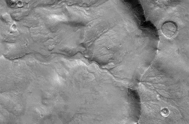 antigos rios em Marte