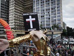 Parada Gay chama Bíblia e Bancada Evangélica de retrocesso