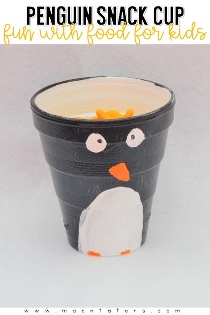 Want to make your snack time with your toddlers even more fun? How about whipping up this fun Penguin snack cup. This is perfect for your tot school week all about penguins.