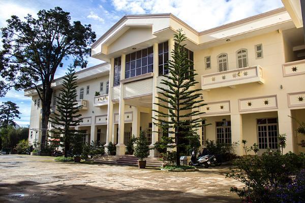 Khách sạn Violet Đà Lạt