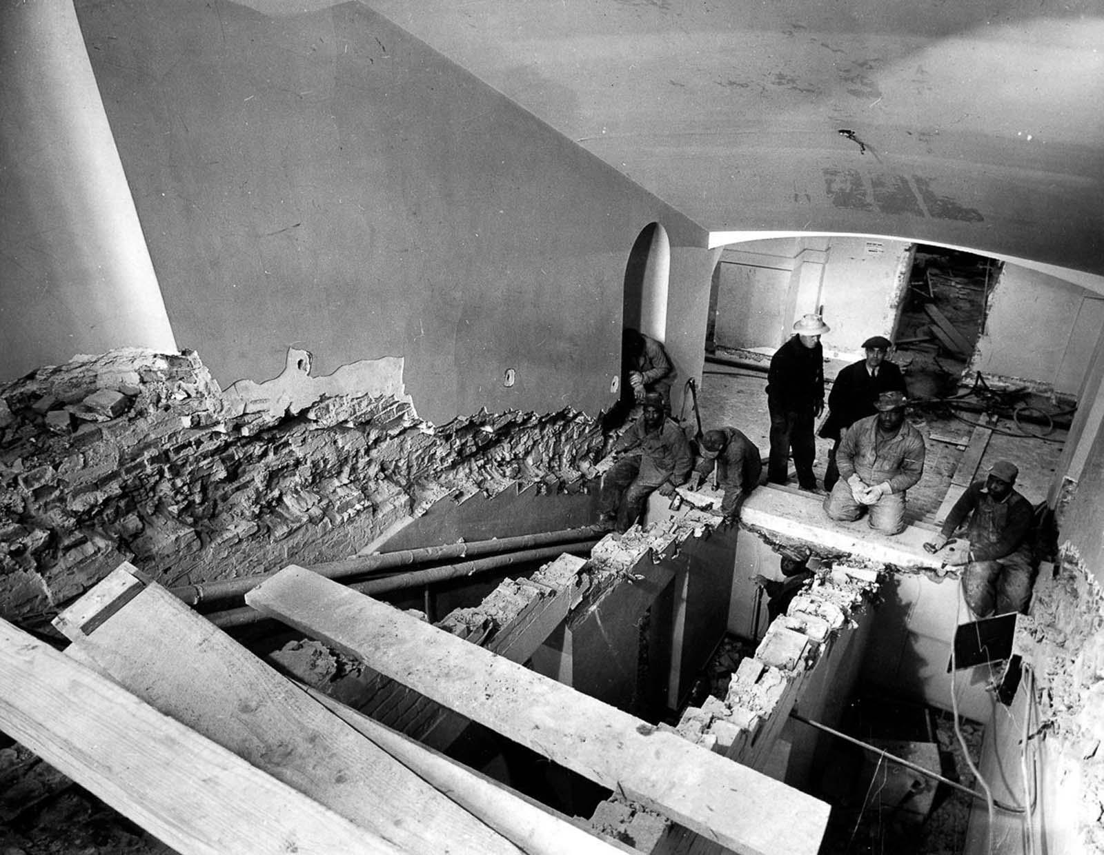 Main stairway of White House. 1950.