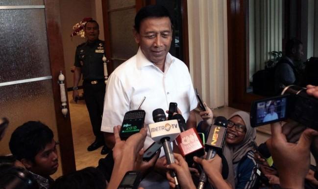 Menko Wiranto Janji Tuntaskan Kasus HAM Masa Lalu