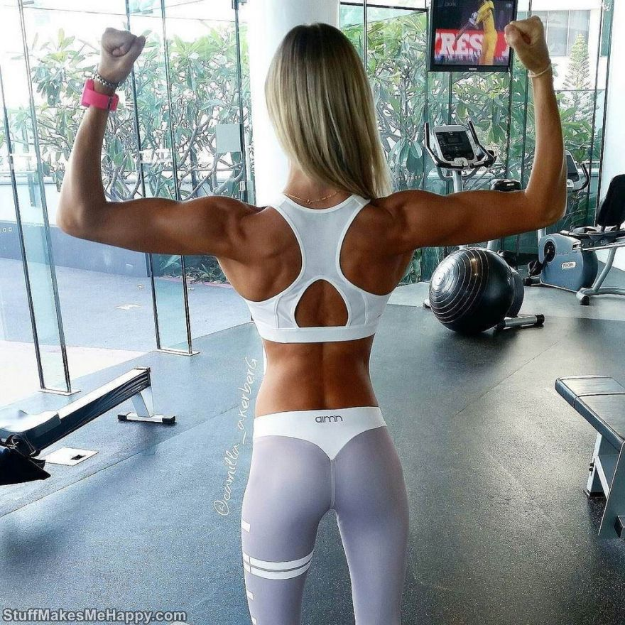 Workout Leggings: A New Trend Girls in Yoga Pants