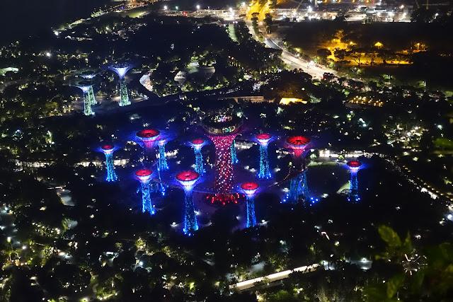 超級樹燈光秀,從金沙酒店頂樓遠望