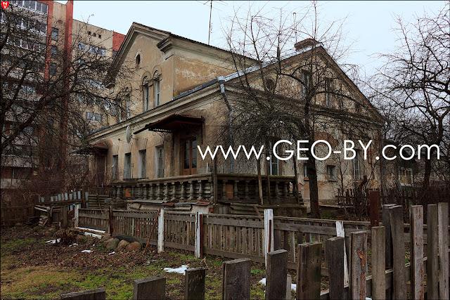 Улица Стрелковая. Три двухэтажных дома