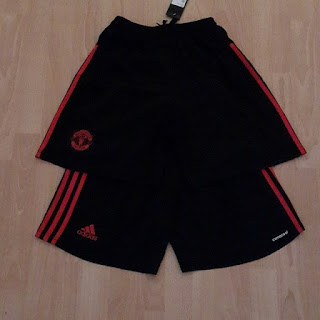 gambar detail celana bola musim depan photo kamera Celana bola Manchester United third warna hitam terbaru Adidas Official musim 2015/2016 di enkosa sport toko online baju bola dan perlengkapan sepak bola terlengap