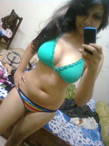 Hot srilankan girl taking selfie
