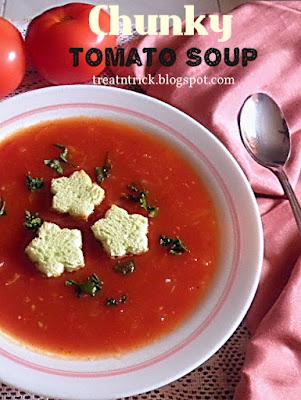 Chunky Tomato Soup @ treatntrick.blogspot.com