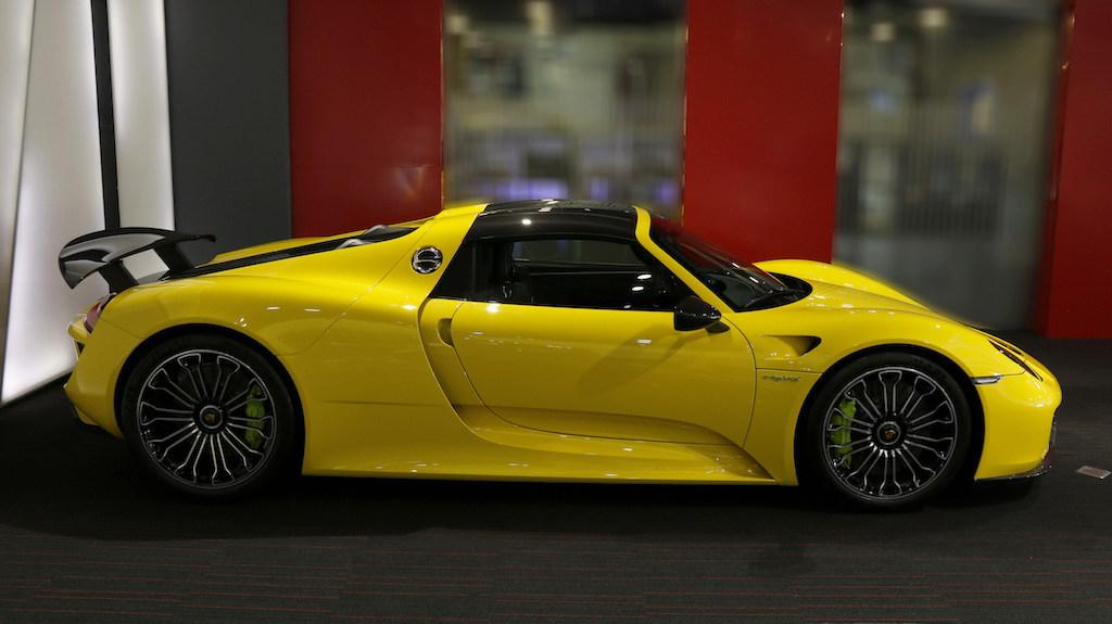 Rare Bright Yellow Porsche 918 Spyder Could Make You Wince ...