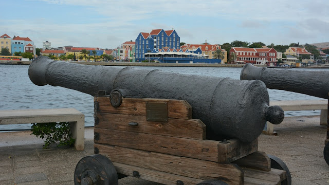 Willemstad Curacao canon