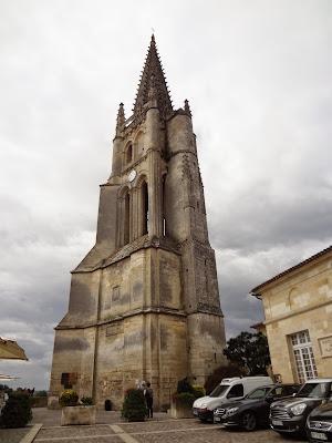Campanario de la Iglesia monolítica de St-Émilion