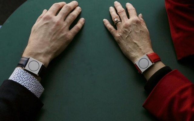 The wearable device comes in strength from the body!
