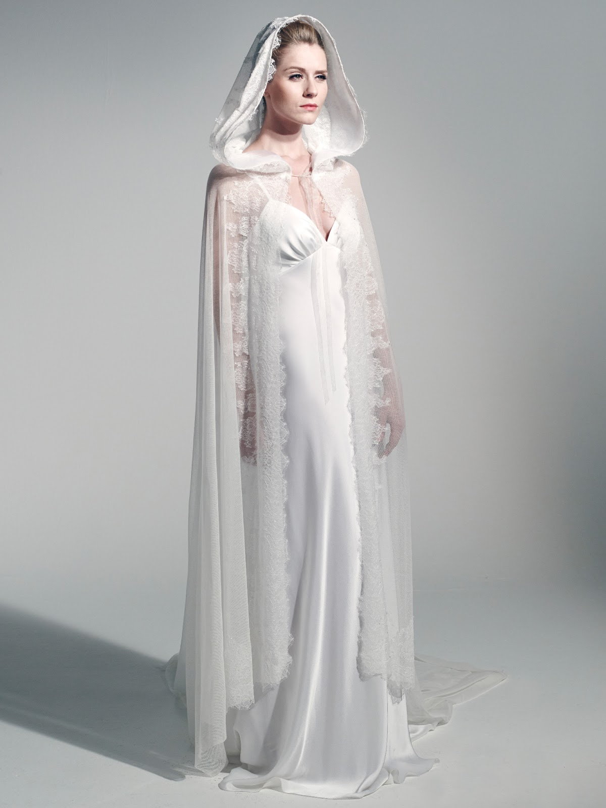 Robe mariage longue cape