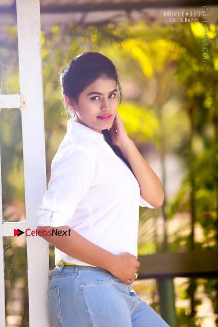 Kundrathile Kumaranukku Kondattam Movie Heroine Riya Mikka Po Shoot Portfolio Images  0002.jpg