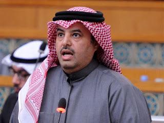 النائب الكويتي مبارك الحجرف يستجوب وزير التجارة والصناعة خالد الروضان بعد ثبوت اهداره للمال العام
