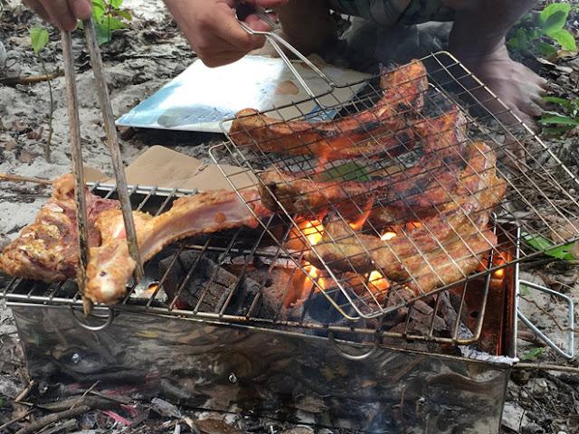 nướng thịt nấu ăn trên hoang đảo Mắt Rồng