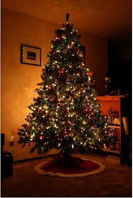 decorar el pino navideño solo con luces