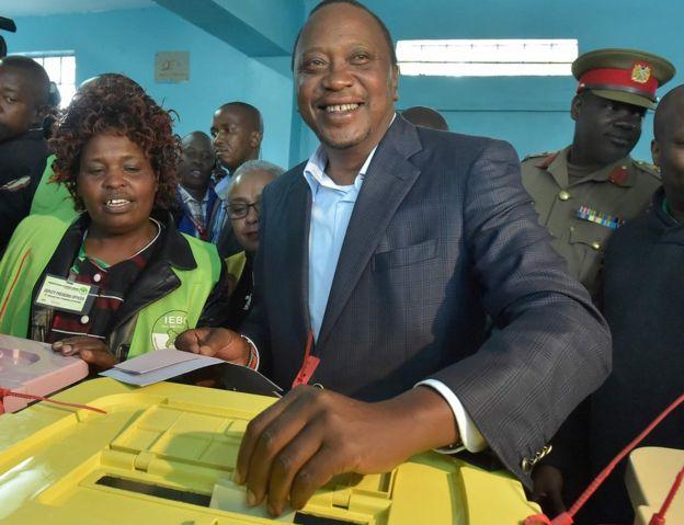 Kenya election 2017: Kenyatta ahead as votes counted