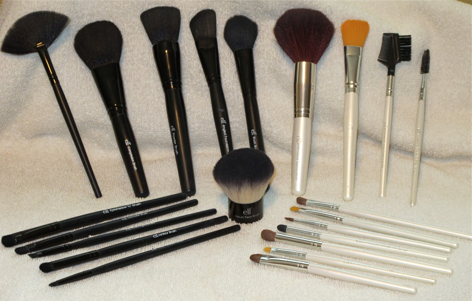 Pointed Powder Brush by e.l.f. #20