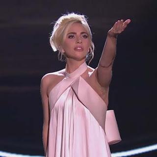 Terjemahan Lirik Lagu Million Reasons - Lady Gaga