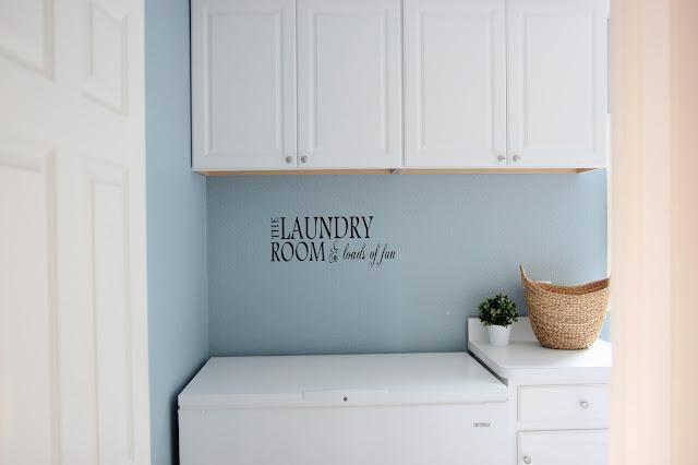 http://behindtheredbarndoor.blogspot.com/2015/12/laundry-room.html#.Vst8SMCAOkp
