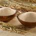 Mặt nạ dưỡng da giữa mùa hè với cám gạo