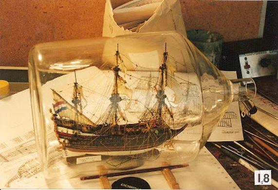 Barco en interior de botella