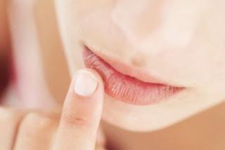 minyak argan untuk melembutkan bibir