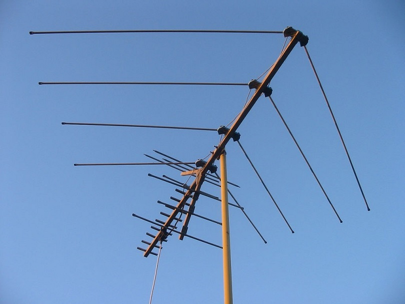 tv-antenna-signal-booster