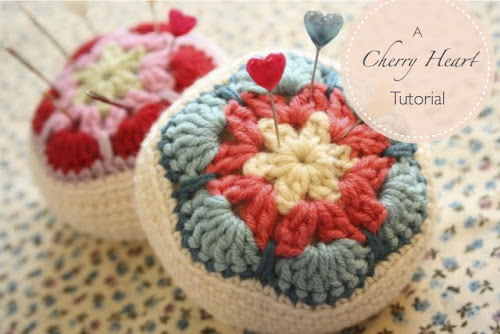 http://sandra-cherryheart.blogspot.co.uk/2013/01/crocheted-african-flower-pincushion.html