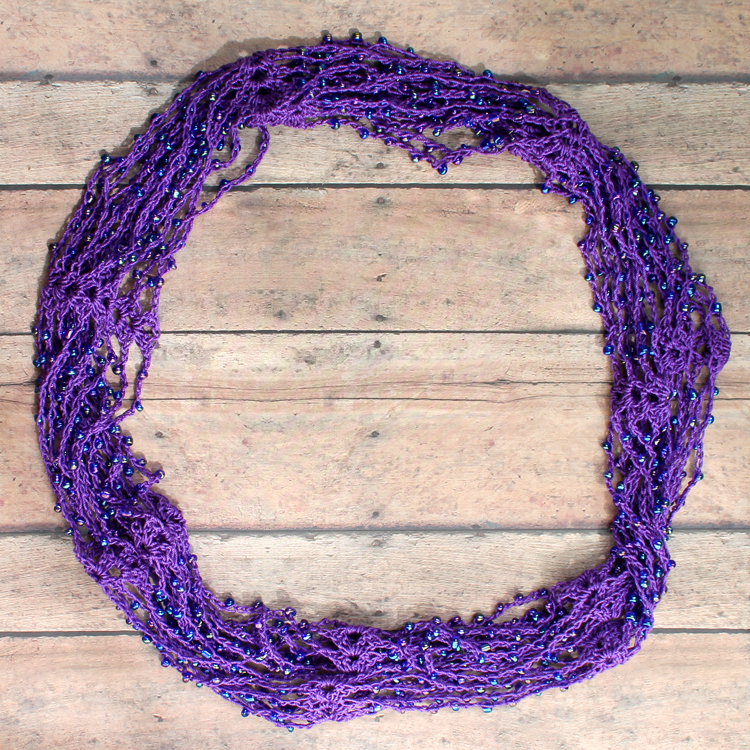 A trendy crochet project with free pattern and video tutorial